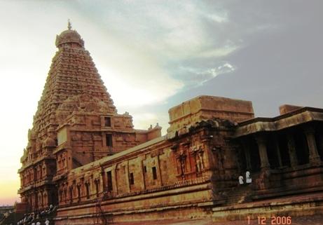 Brihadeshwara Temple - 1010 AD!